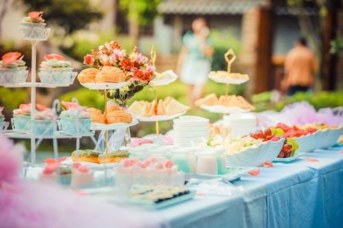 5 heerlijke hapjes om te serveren tijdens jullie trouwfeest